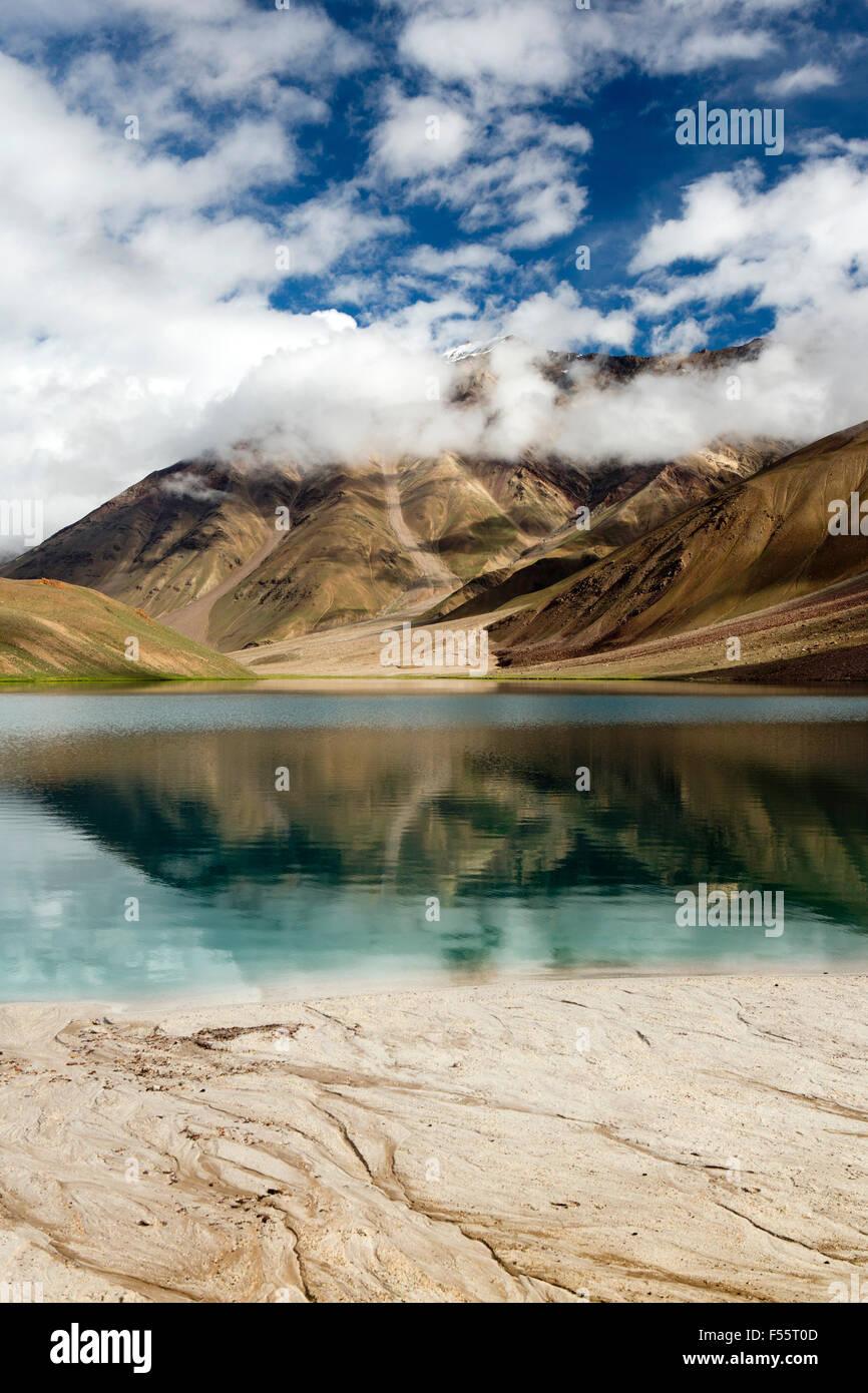 India, Himachal Pradesh, Spiti, Chandra Taal, Full Moon Lake, early morning, sandy lake shore - Stock Image