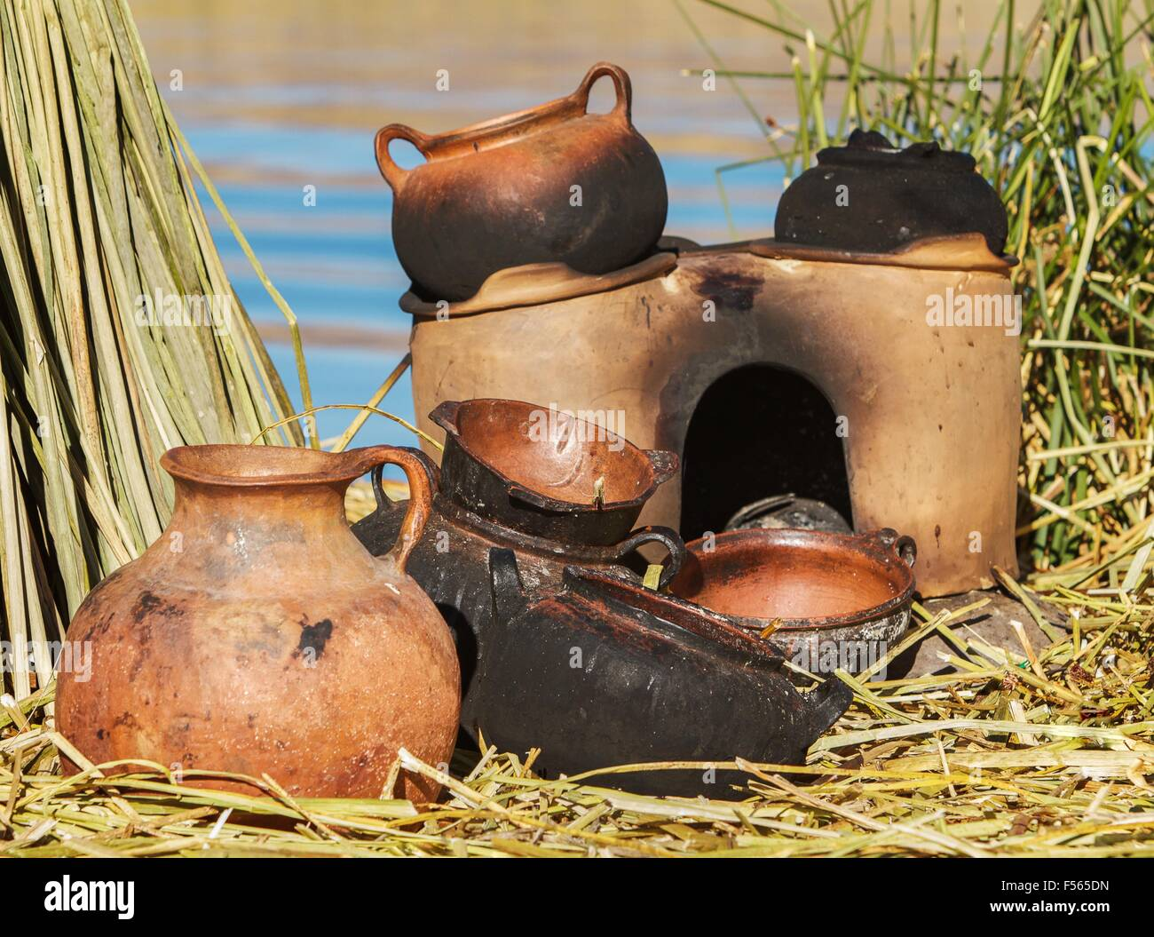 Traditional mad pans used on Uros islands, Peru, Bolivia. - Stock Image