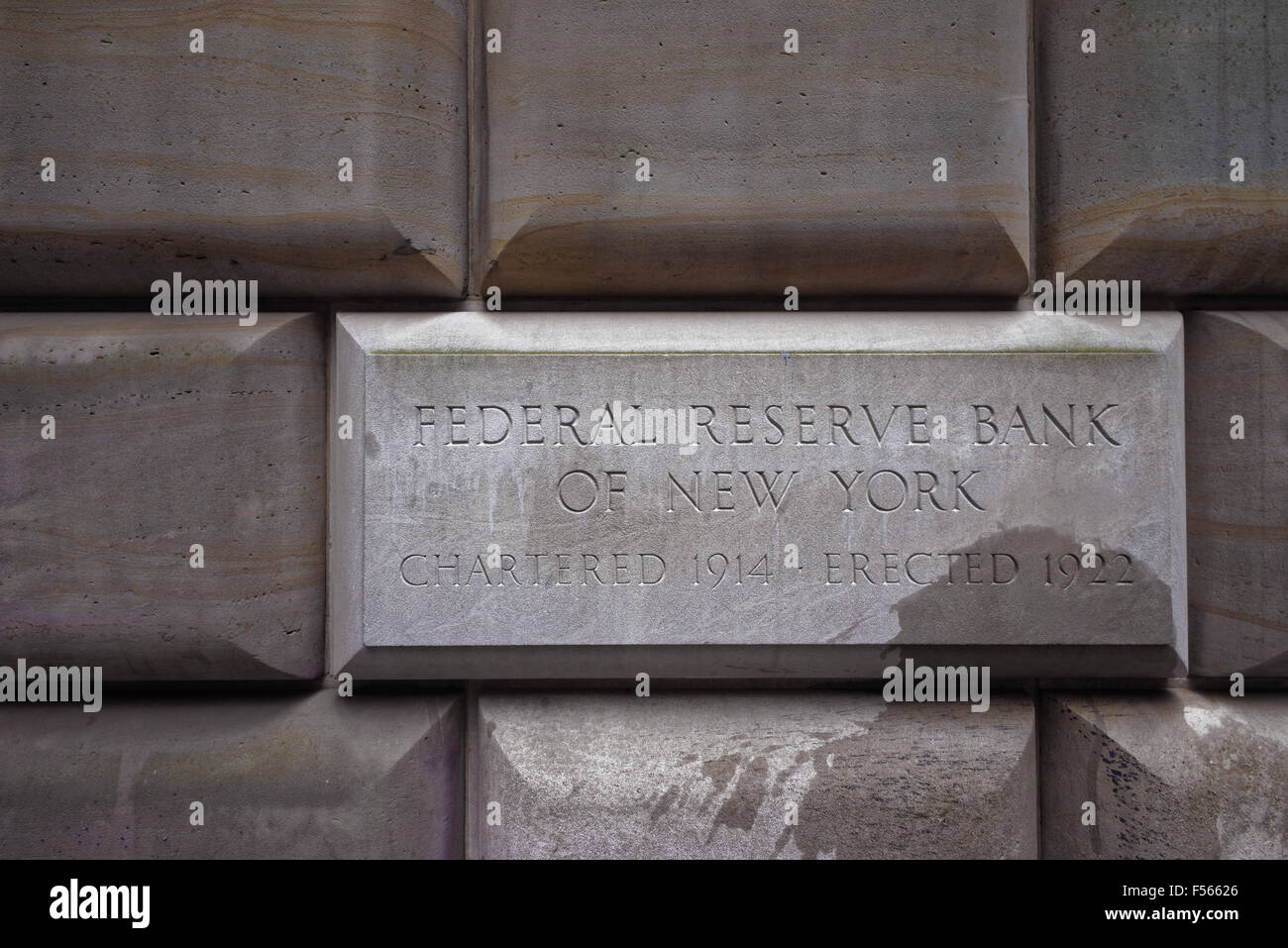 Sign table of the Federal Reserve Bank of New York, USA. The New York Fed implements monetary policy, supervises - Stock Image