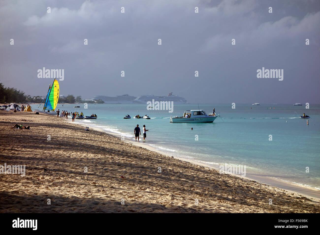Seven Mile Beach, Grand Cayman, Cayman Islands, Caribbean - Stock Image