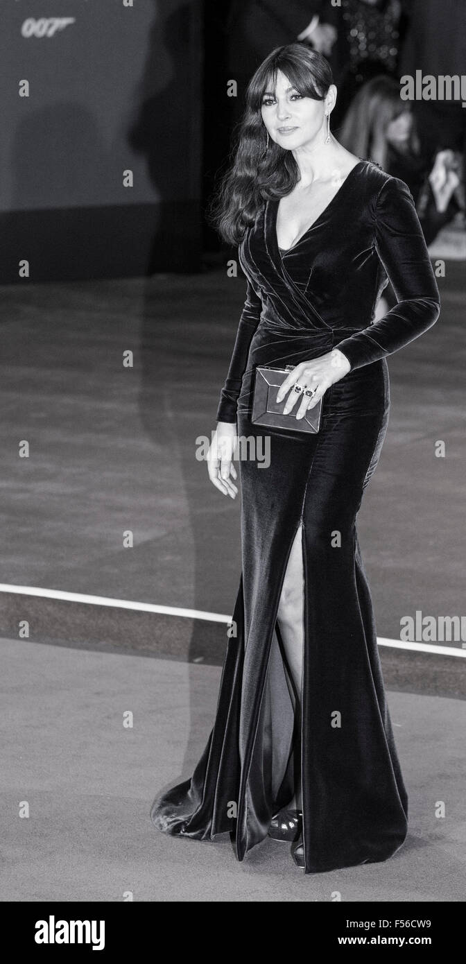 London, UK. 26/10/2015. Actress Monica Bellucci. CTBF Royal Film Performance, World Premiere of the new James Bond - Stock Image