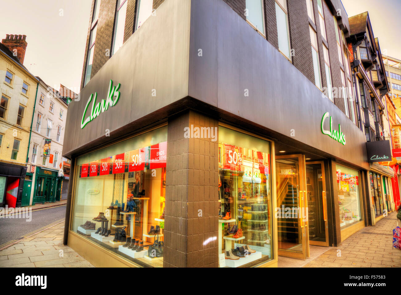 Clarks Shoe Shoes Shop Store Name Sign Building Exterior Facade Stock Photo 89282931 Alamy