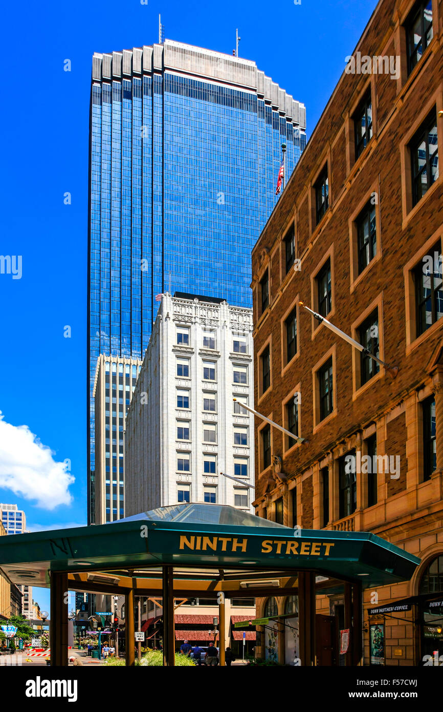 Ninth Street with the IDS Tower skyscraper overshadowing Minneapolis MN - Stock Image