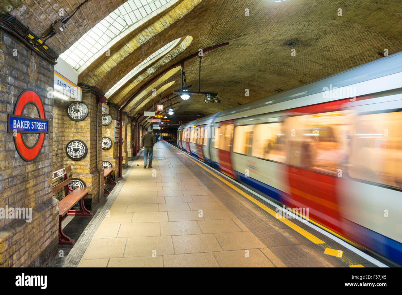 Victorian architecture and exposed brickwork at Baker Street underground station platform London England UK Gb EU - Stock Image