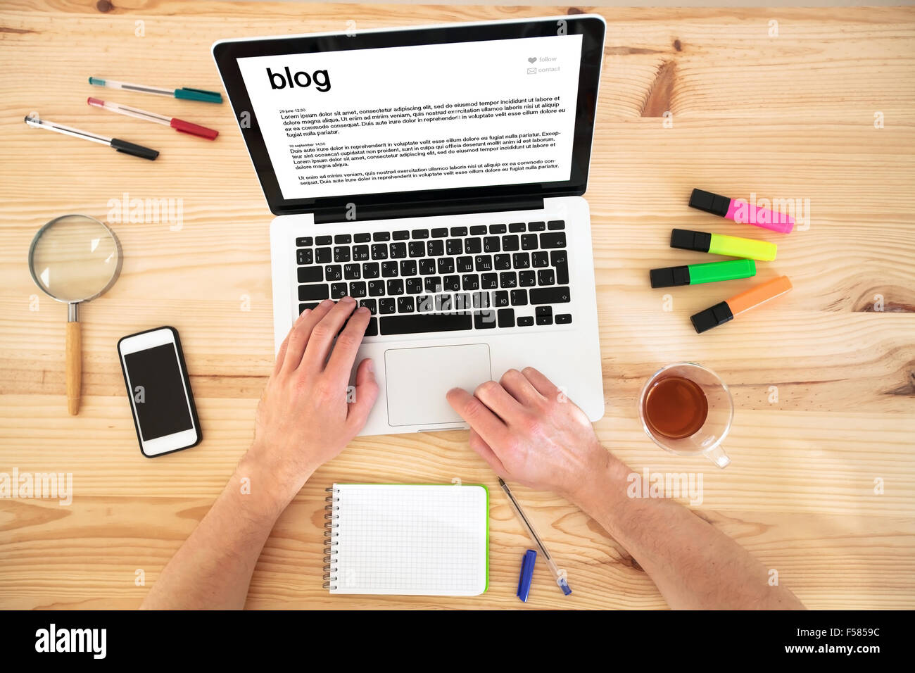 blog, top view of hands and keyboard - Stock Image