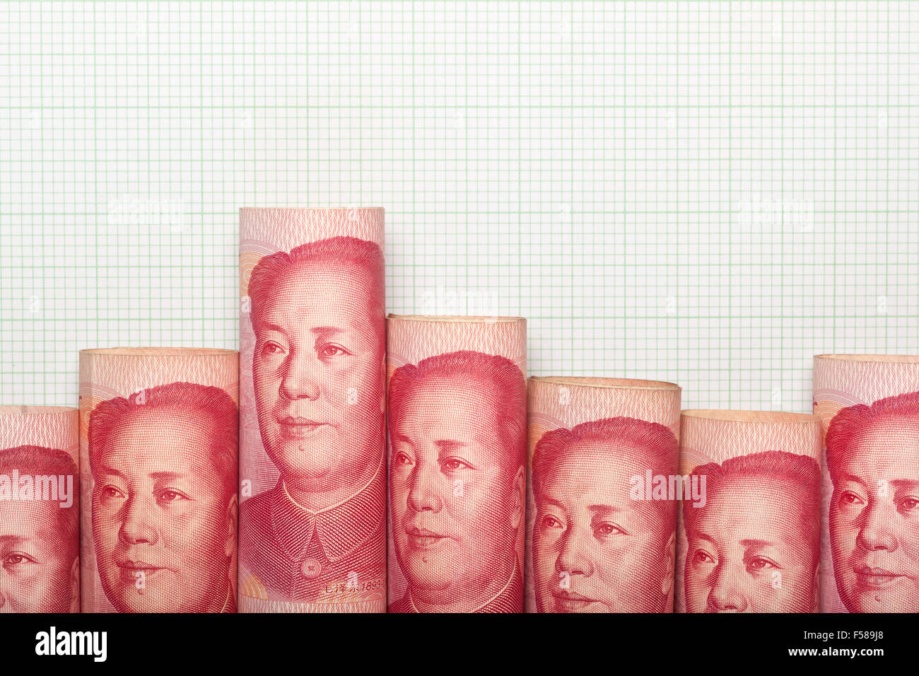 Chinese currency forming a downtrend graph - Stock Image