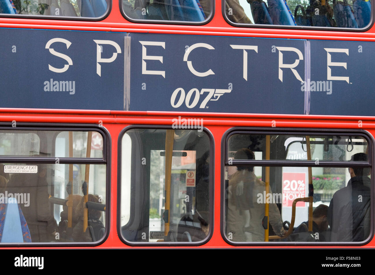 The new James bond movie spectre advertised on a London bus - Stock Image