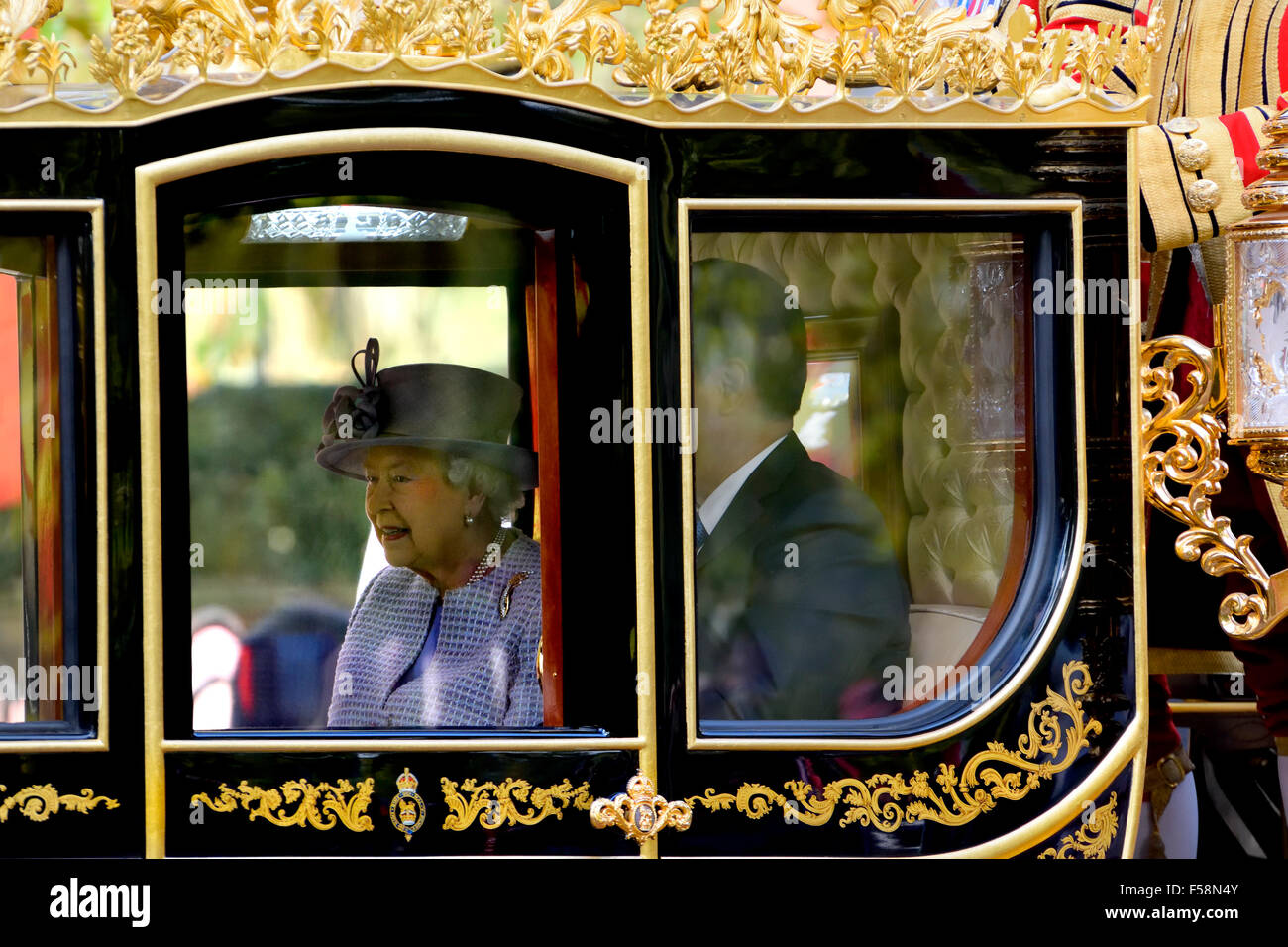 London Oct 20th 2015. Queen Elizabeth II and Xi Jinping in the 'Britania' carriage in the Mall - Stock Image