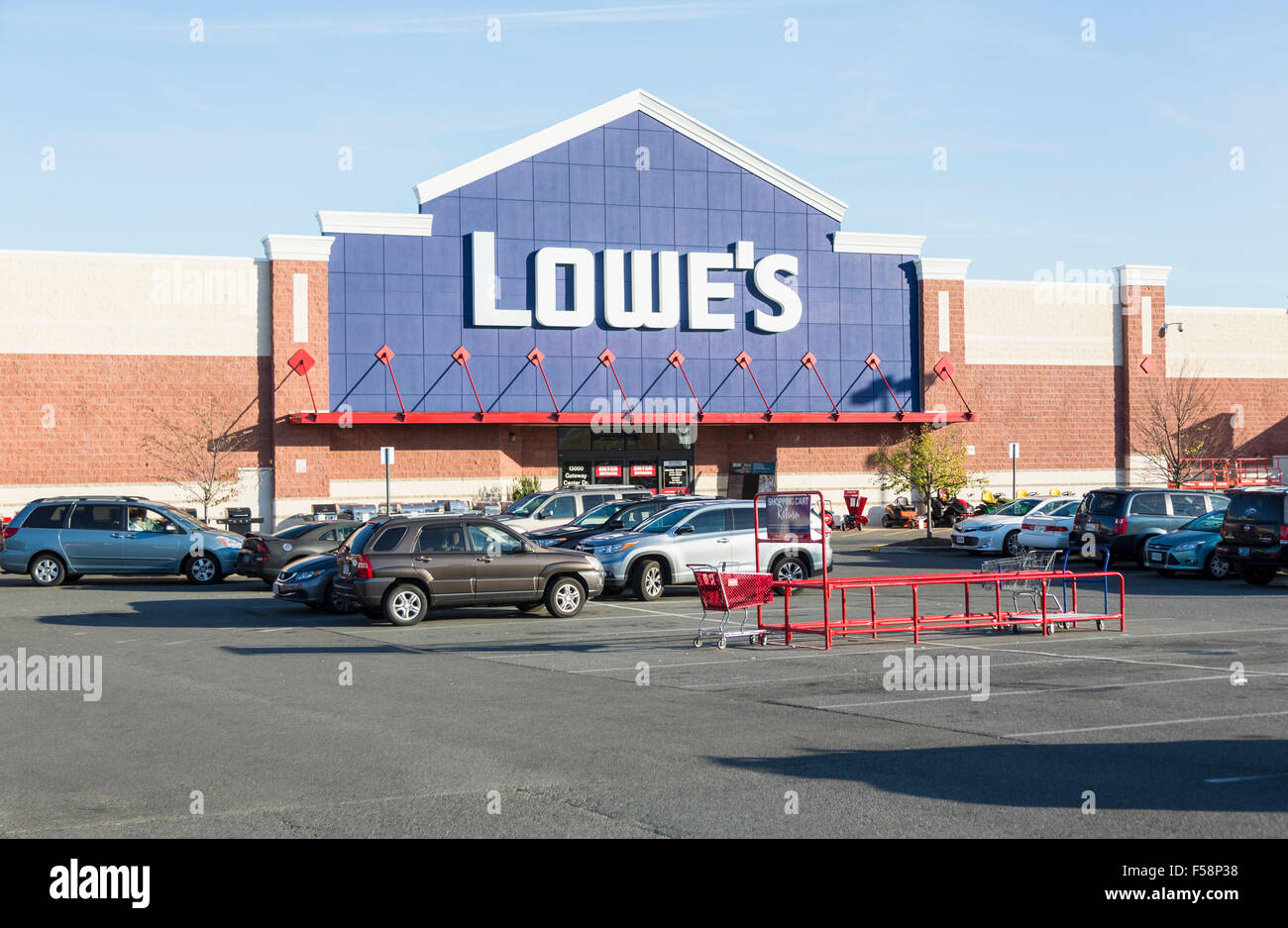 Lowes DIY building supplies store / superstore in Virginia Gateway Shopping Center, Gainesville, Virginia, USA - Stock Image