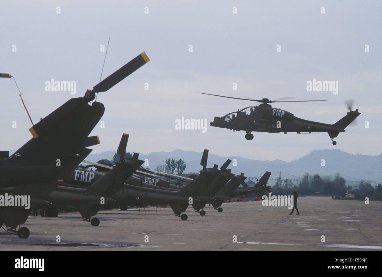 operation Alba of  Italian Armed Forces after the civil war of spring 1997, Italian army A 129 'Mangusta' - Stock Image