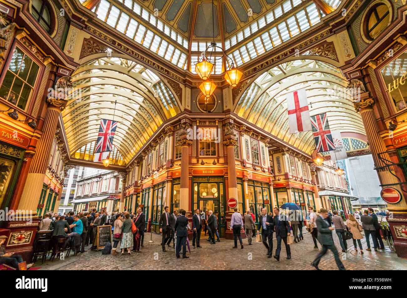 City of London Workers meeting and drinking After Work Leadenhall Market City of  London, England UK GB EU Europe - Stock Image