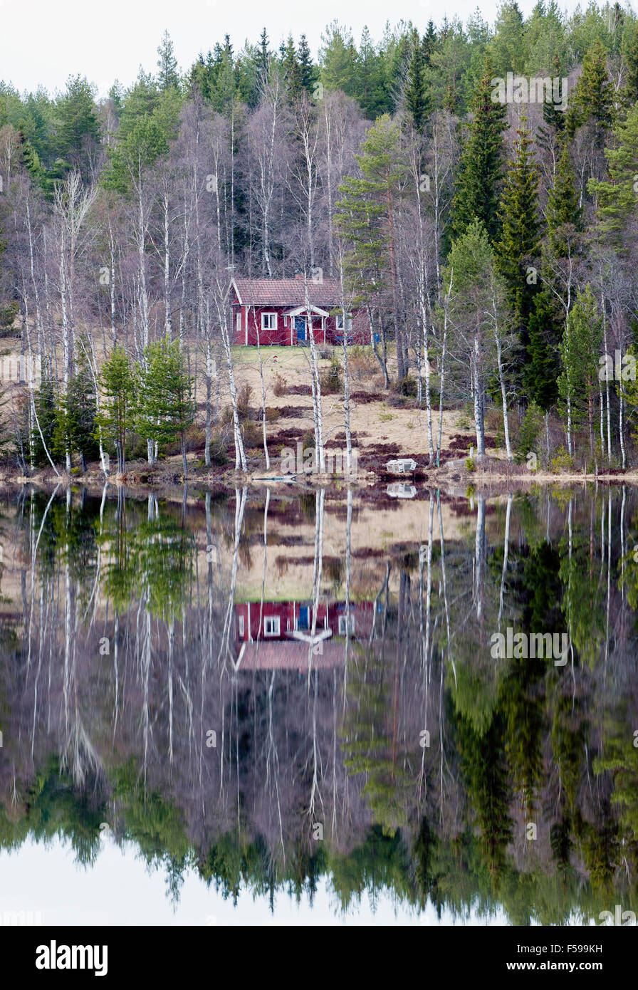 Croft by the lake, Sweden - Stock Image