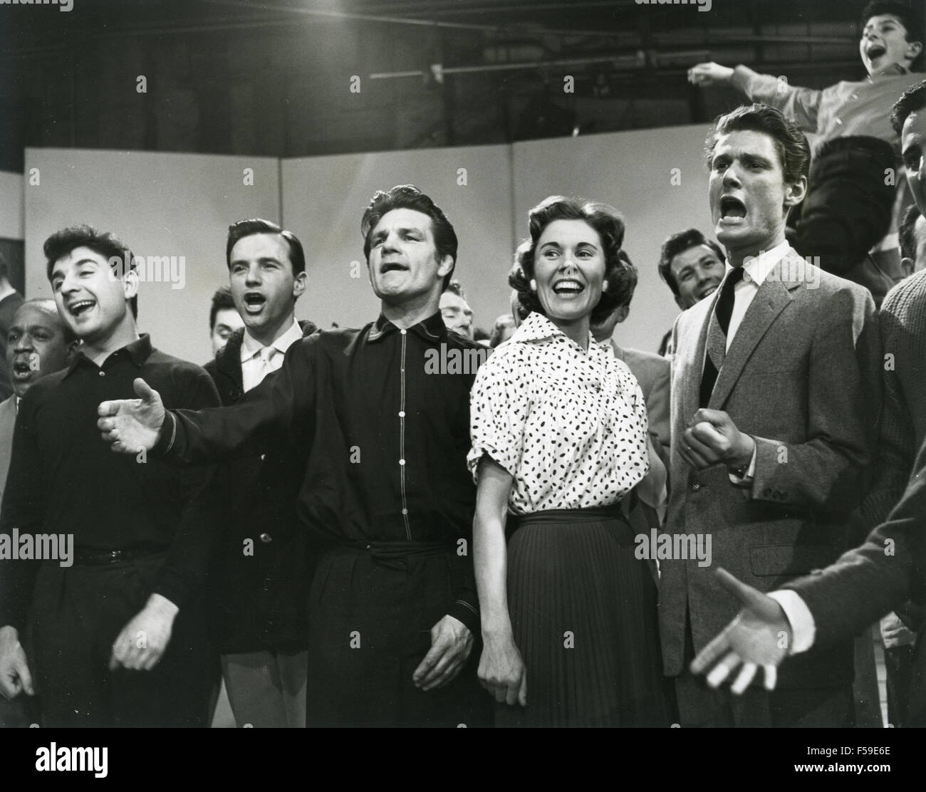 SIX-FIVE SPECIAL  - BBC pop music programme in 1957. From left: resident comic Bernie Winters, singer Denis Lotis, - Stock Image