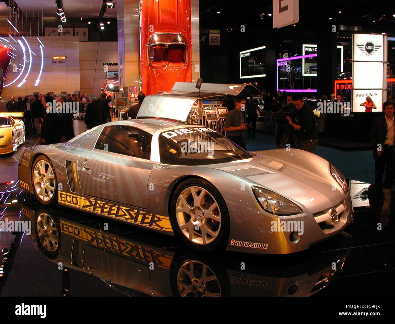 Vauxhall Concept Car Stock Photos Vx Lightning Opel Eco Speedster As Shown At 2002 Paris Motorshow Image