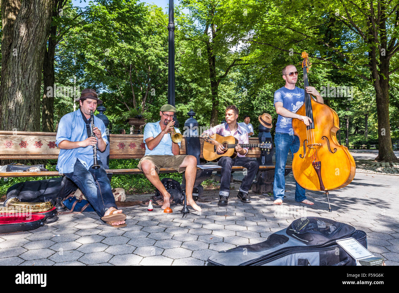 Tin Pan Jazz Band performing in Central Park, New York City, USA. - Stock Image