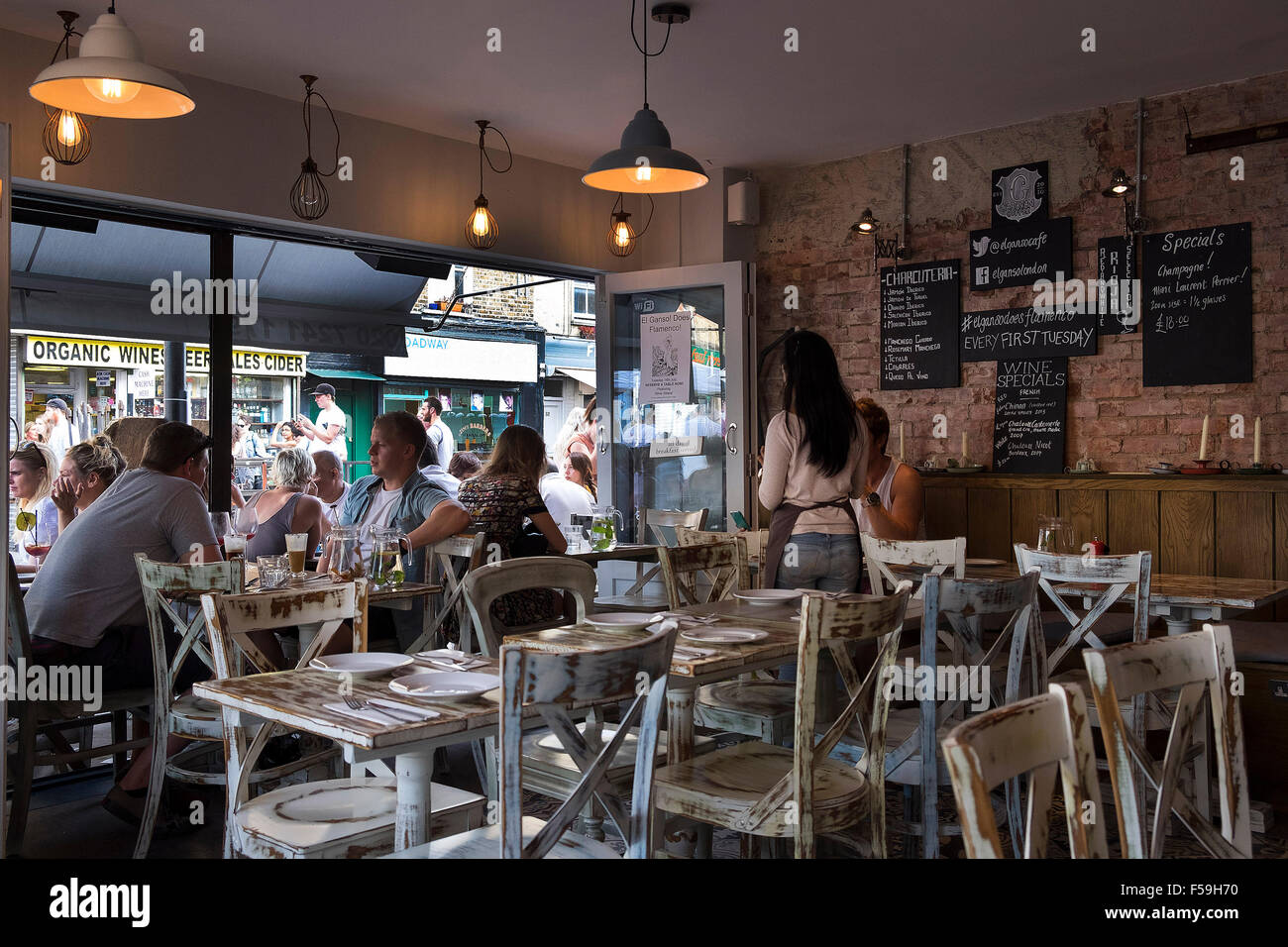 Broadway Market, London E8: El Ganso Spanish tapas restaurant - Stock Image