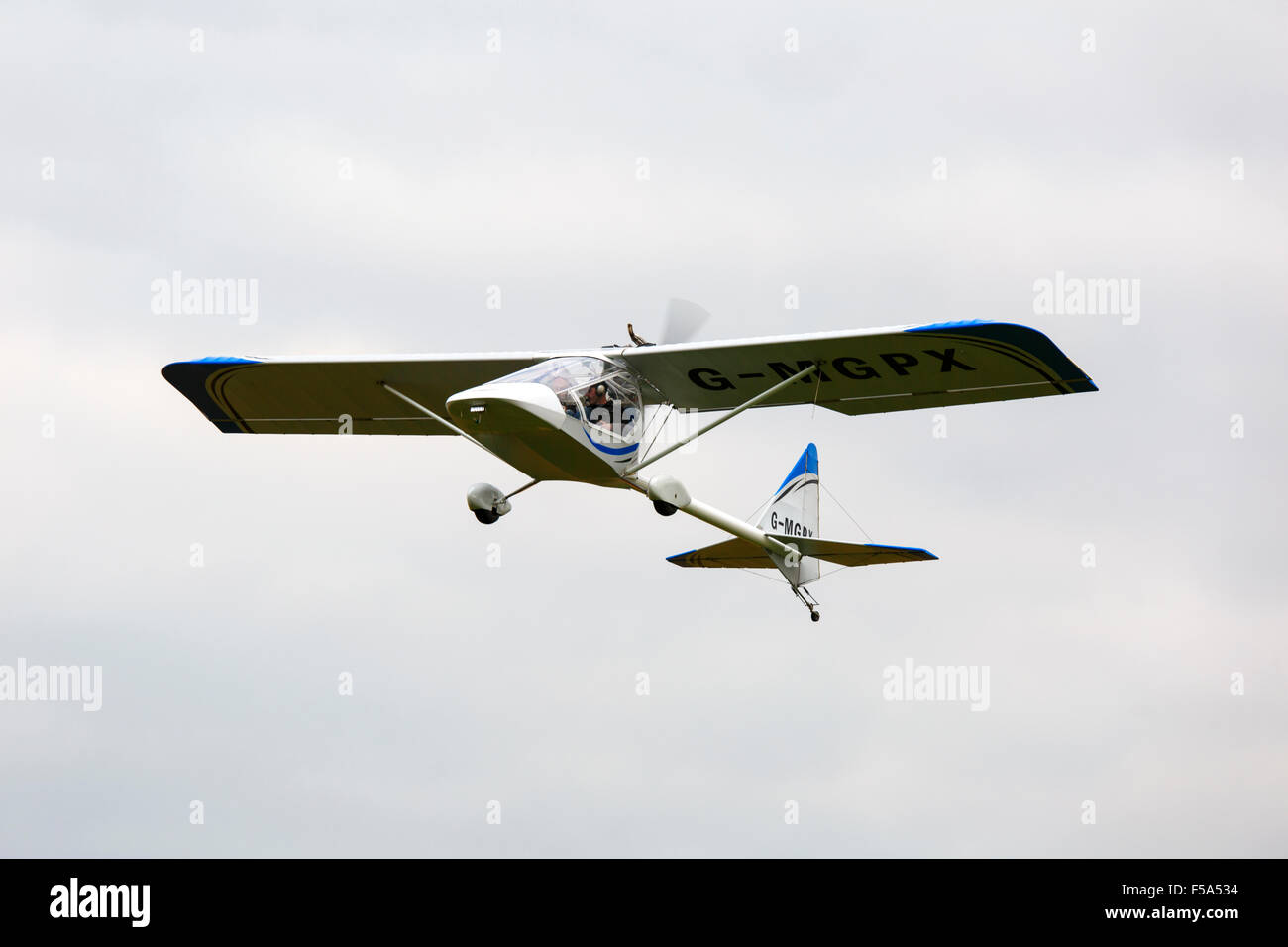 Kolb Twinstar MKII Xtra G-MGPX in flight at Breighton Airfield