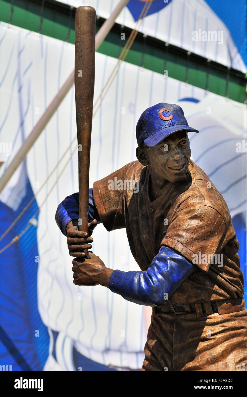 The relocated statue of Ernie Banks now resides in front of the iconic Wrigley Field marquee and main entrance to - Stock Image
