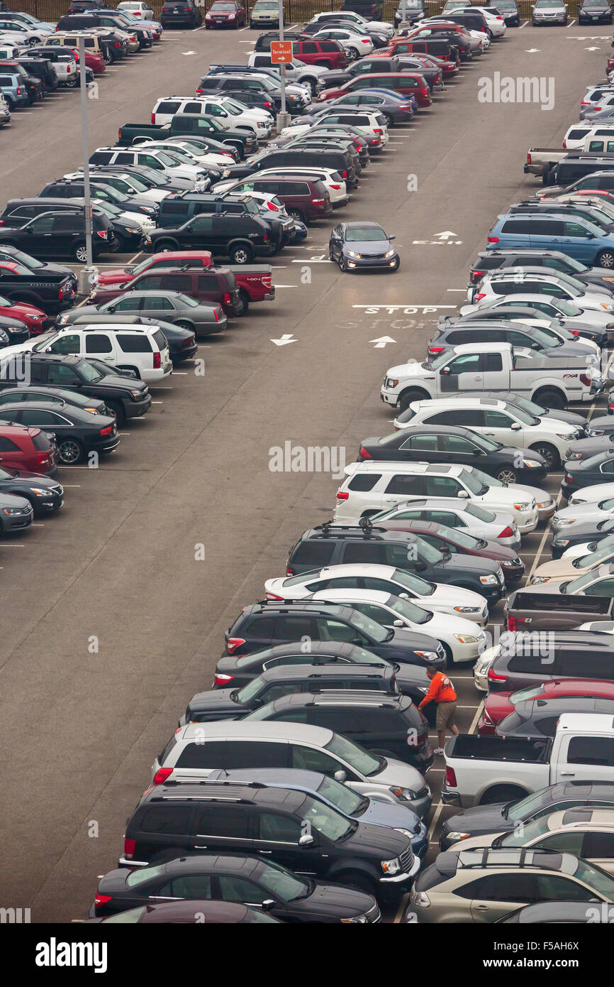 Cleveland, Ohio - A car leaves a parking lot at Cleveland Hopkins International Airport. - Stock Image