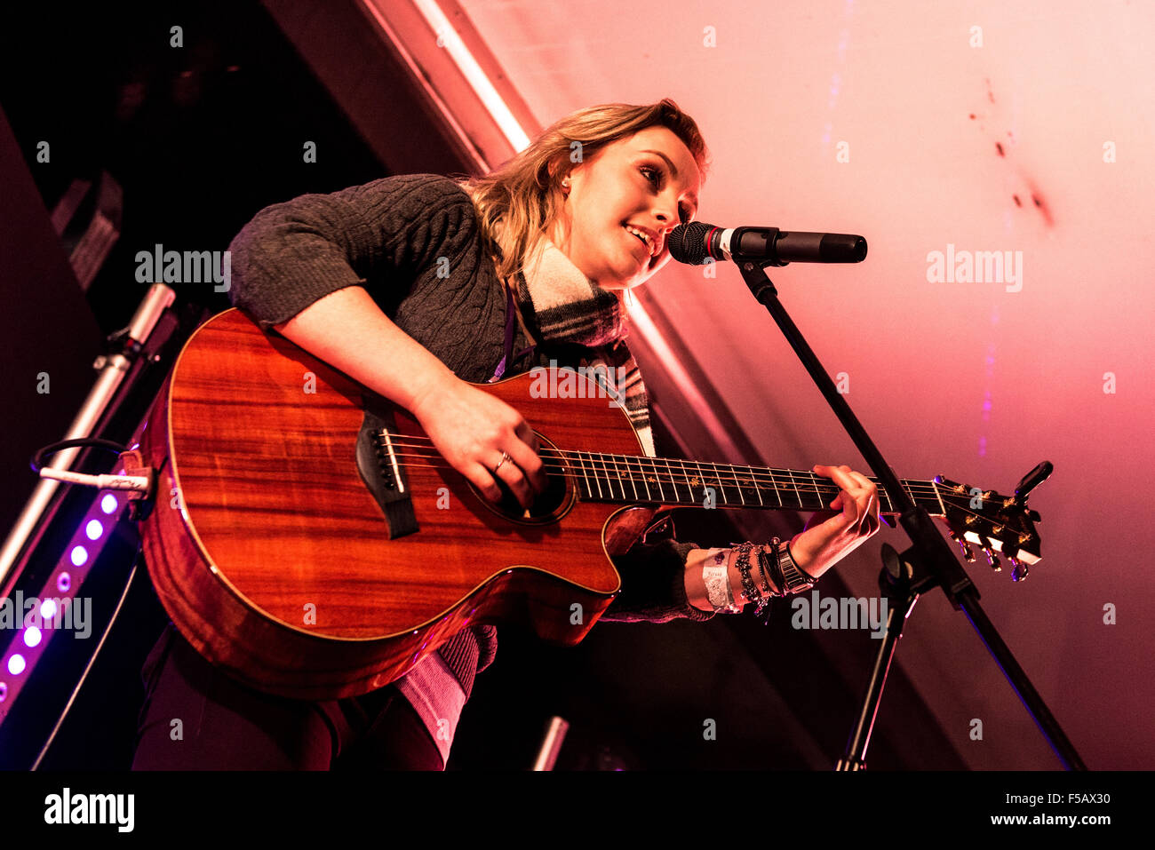 Castle Howard, York, UK. 31st October, 2015. Beth McCarthy performs on stage at Kaboom, North Yorkshires largest - Stock Image