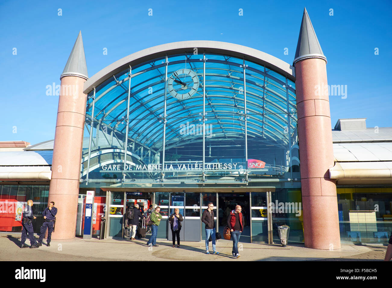 railway station disney village disneyland paris marne la vallee stock photo 89376481 alamy. Black Bedroom Furniture Sets. Home Design Ideas