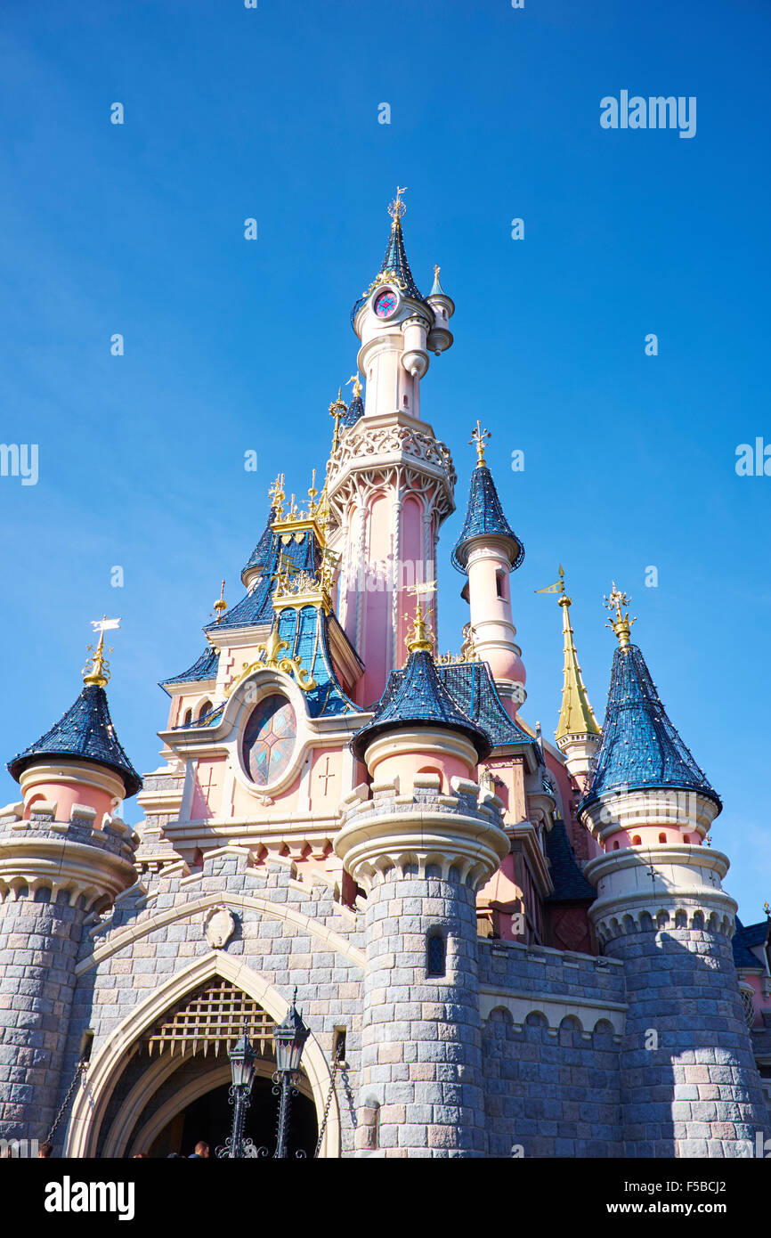 sleeping beauty castle stock photos sleeping beauty castle stock images alamy. Black Bedroom Furniture Sets. Home Design Ideas