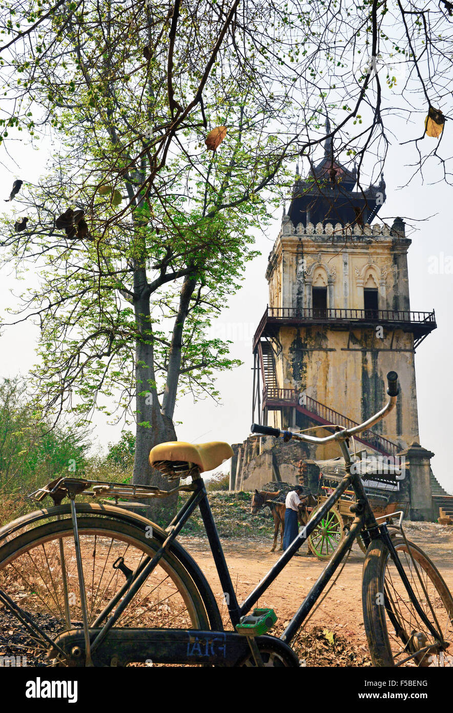 Nan Myint Watch Tower 90ft(30m)high-tourists stop see the only masonry building left on the King Bagyidaw's Palace - Stock Image