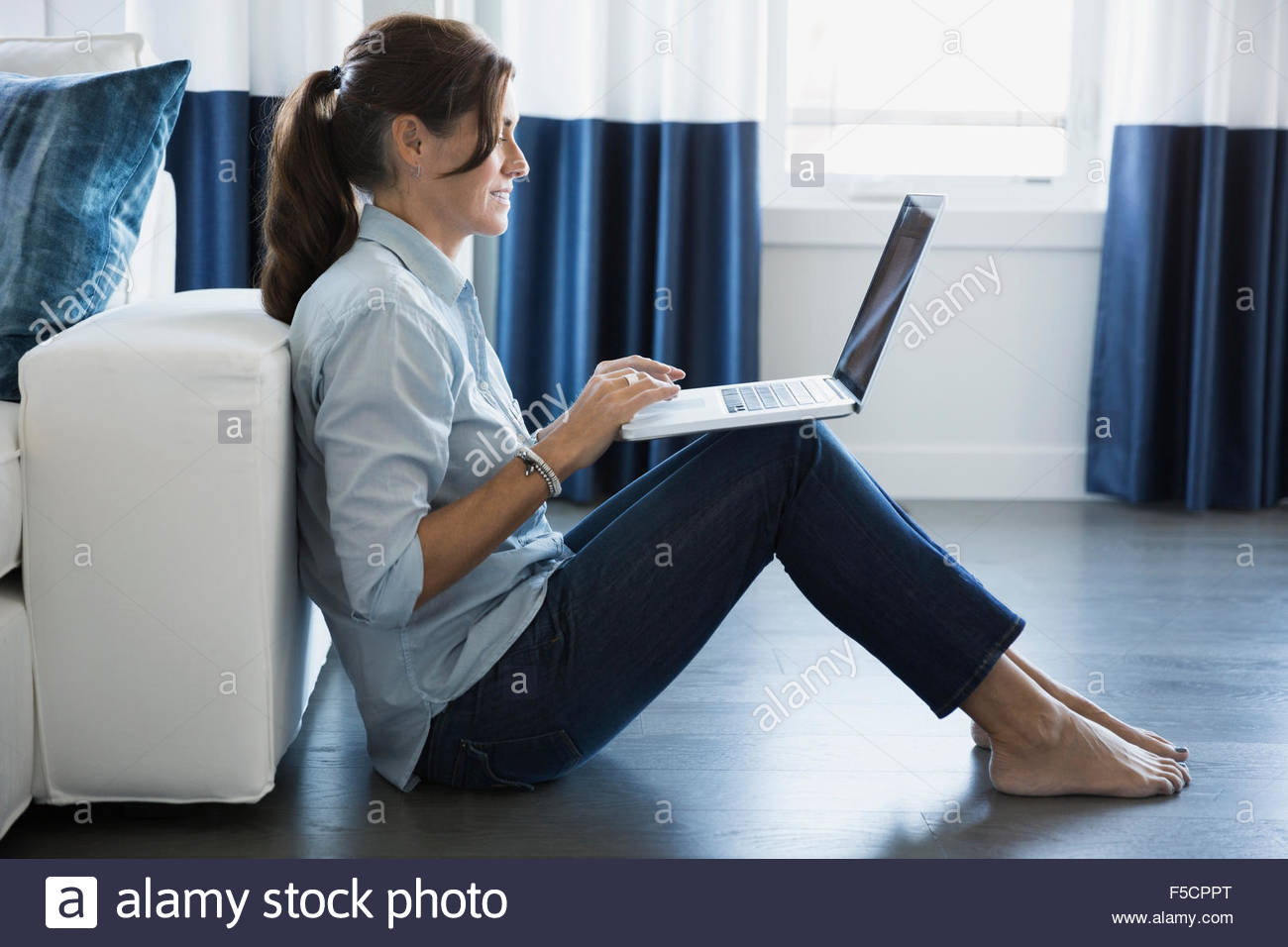 Barefoot Stock Photos Amp Barefoot Stock Images Alamy