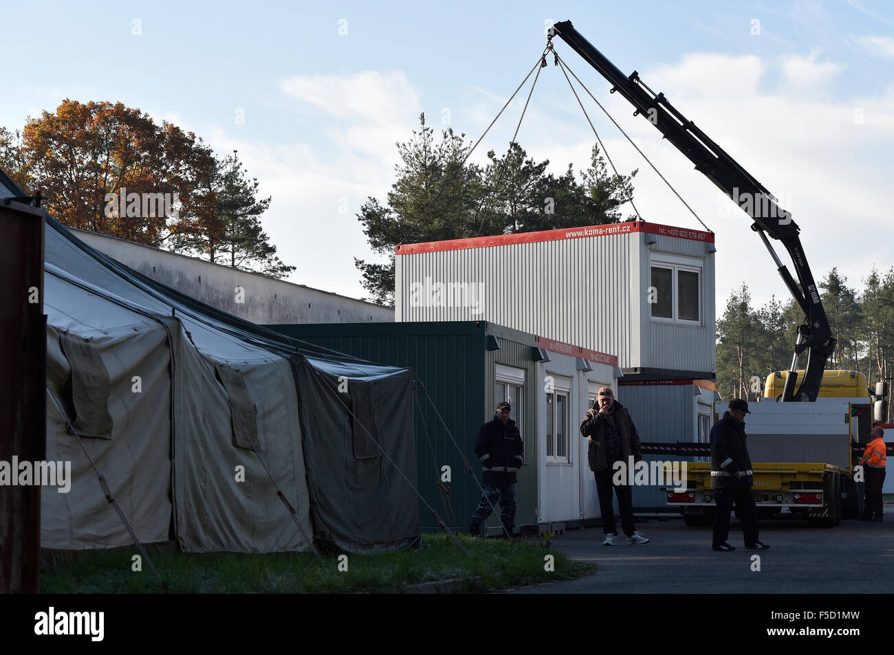 Breclav, Czech Republic. 02nd Nov, 2015. A camp for 300 migrants within the unused prison in Breclav-Postorna which - Stock Image