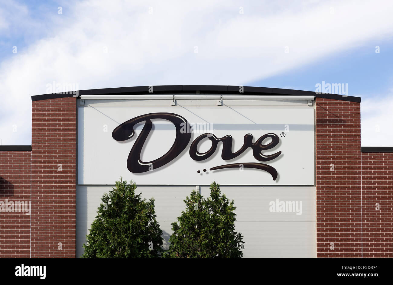 Dove Chocolate plant, Elizabethtown, Pennsylvania. Dove is a division of Mars Inc.. - Stock Image