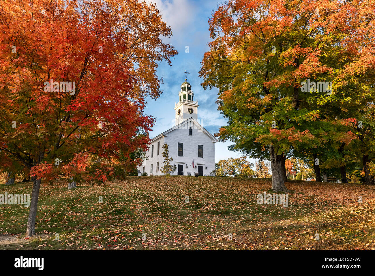 Village green and community church, Greenfield, New Hampshire, USA - Stock Image