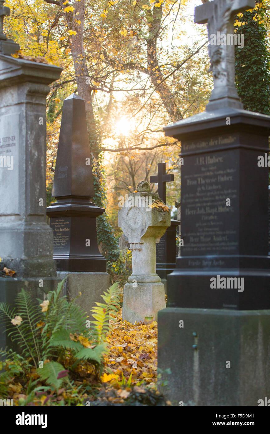 Graves at 'Alter Suedfriedhof' in Munich (Muenchen), Bavaria (Bayern), Germany (Deutschland) - Stock Image