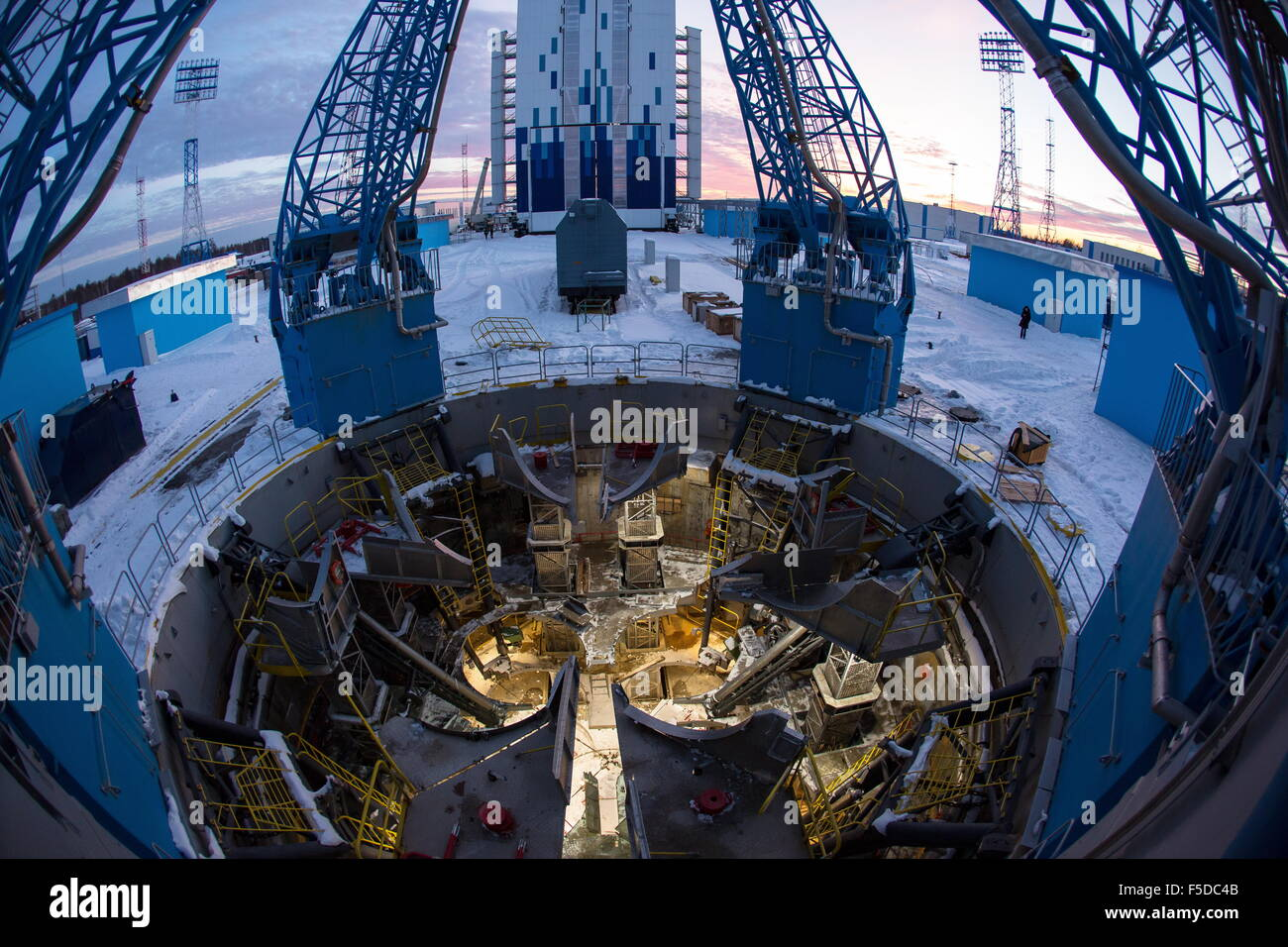 Amur Region, Russia. 2nd Nov, 2015. A view of a launch pad at Russia's Vostochny Cosmodrome. Several corruption - Stock Image