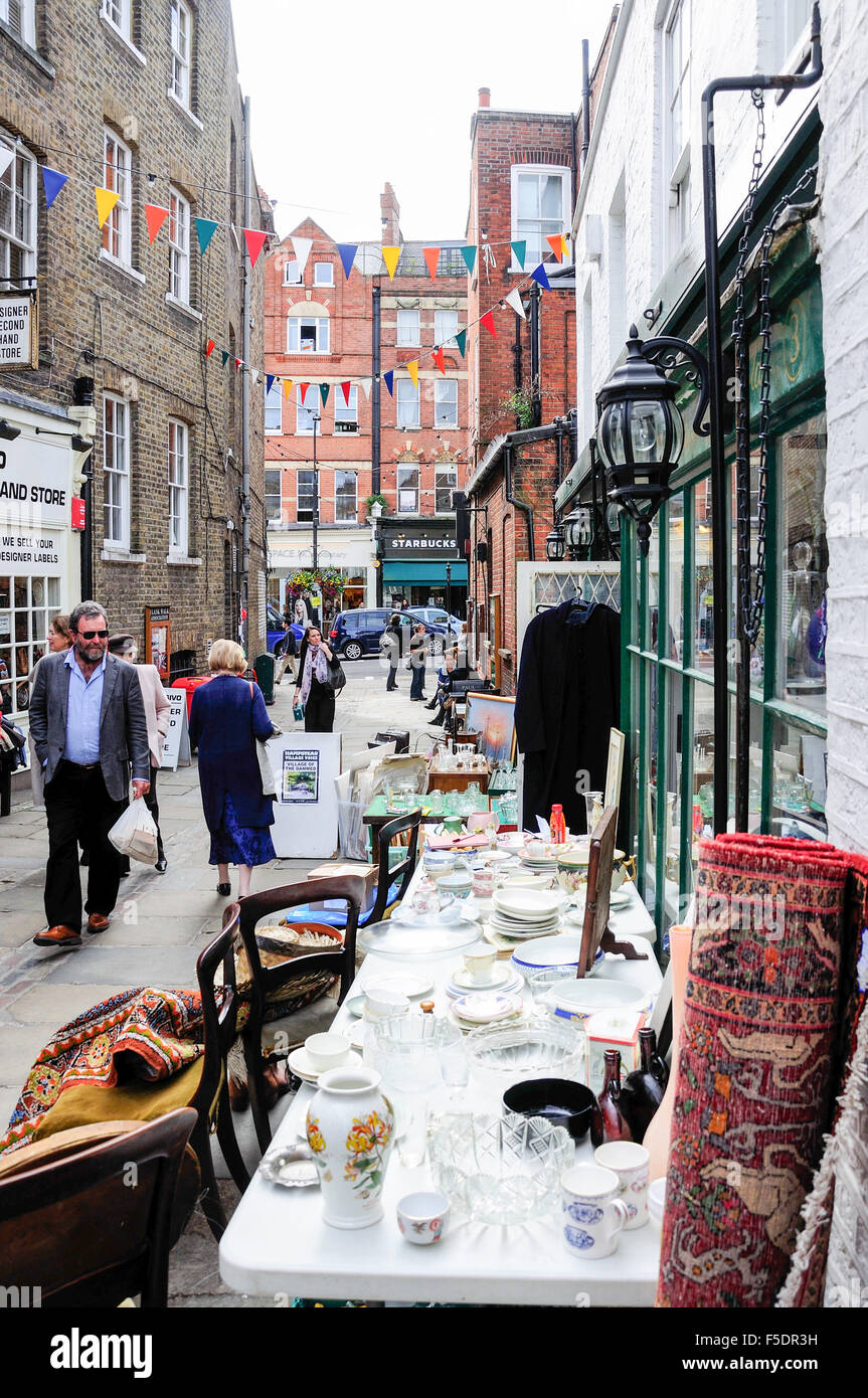 Antique shops, Flask Walk, Hampstead, London Borough of Camden, Greater London, England, United Kingdom - Stock Image
