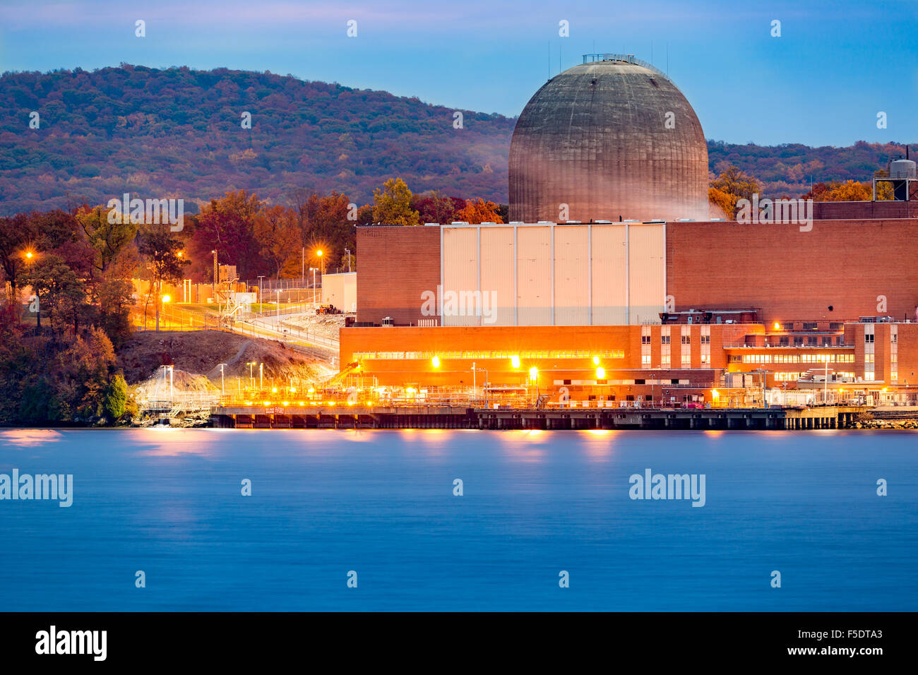 Nuclear reactor on the Hudson River, north of New york City - Stock Image