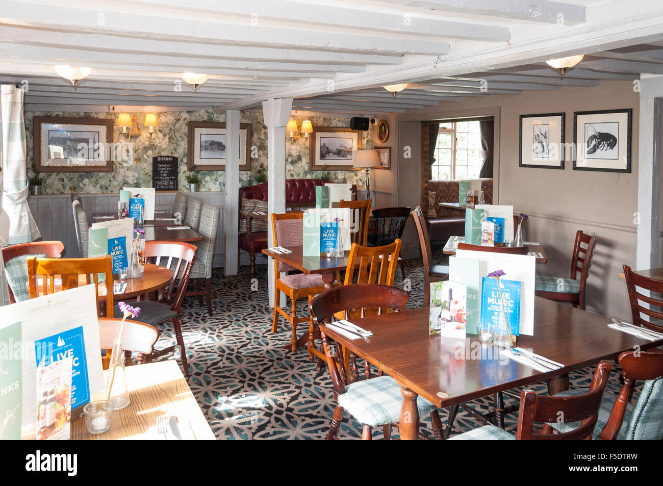 Interior dining room of The Lobster Smack Pub, Haven Road, Canvey Island, Essex, England, United Kingdom - Stock Image