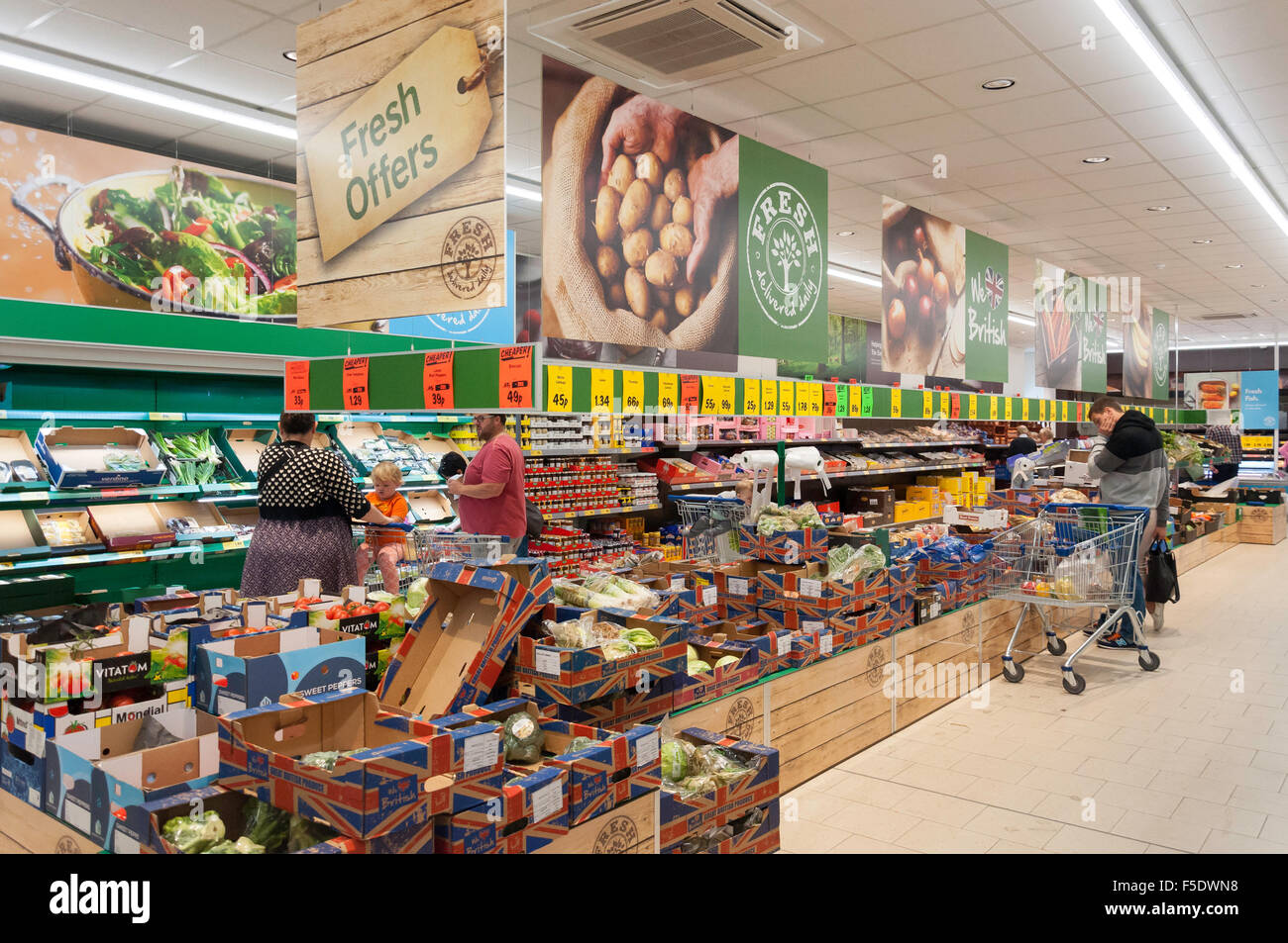 Interior of Lidl Supermarket, Sittingbourne, Kent, England, United Kingdom - Stock Image