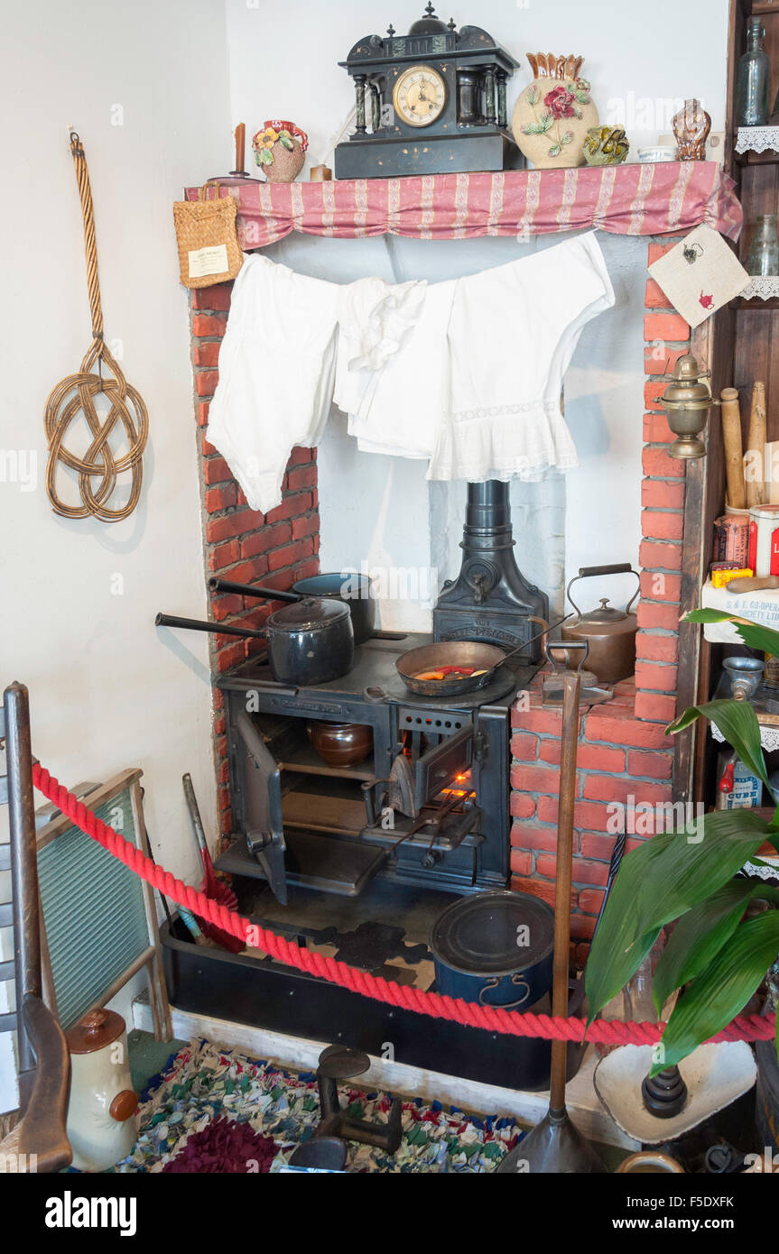 Kitchen stove in 19th century Fisherman's Cottage, High Street, Old Leigh, Leigh-on-Sea, Essex, England, United - Stock Image