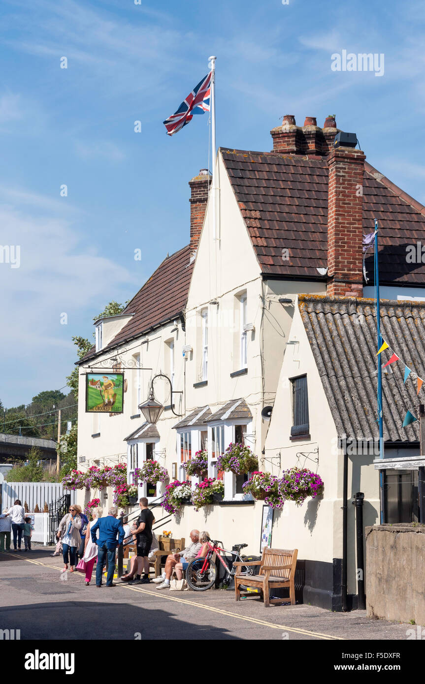 16th Century The Crooked Billet Pub, High Street, Old Leigh, Leigh-on-Sea, Essex, England, United Kingdom - Stock Image