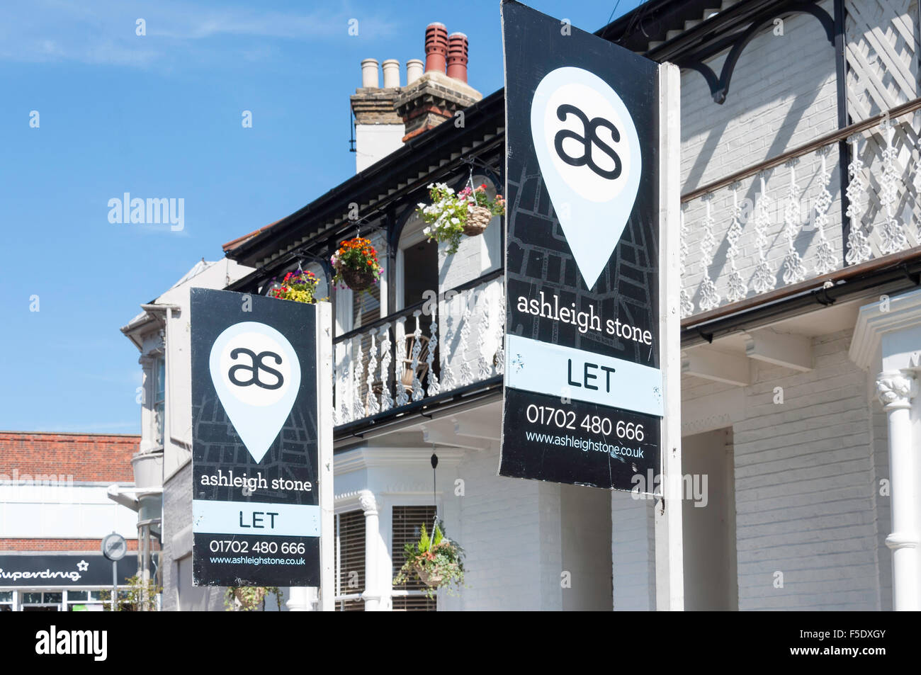 Let signs outside period house, Leigh Hill, Leigh-on-Sea, Essex, England, United Kingdom - Stock Image