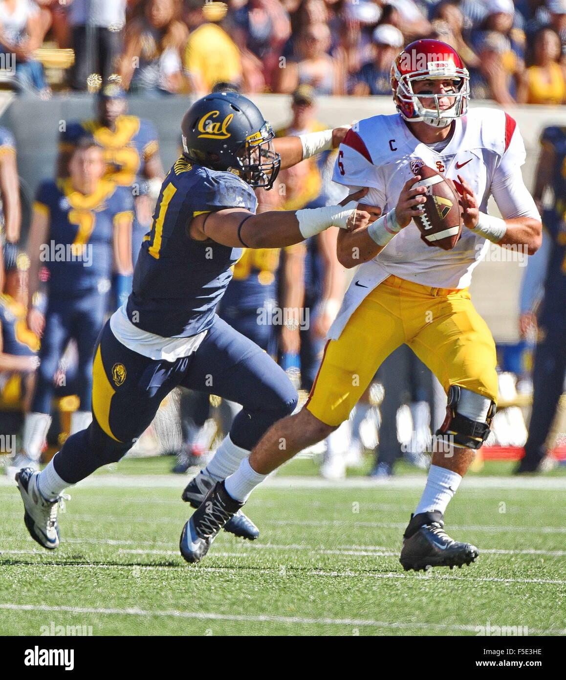 Berkley, CA. 31st Oct, 2015. Cody Kessler of the USC Trojans in action during a 27-21 victory over the Cal Bears - Stock Image