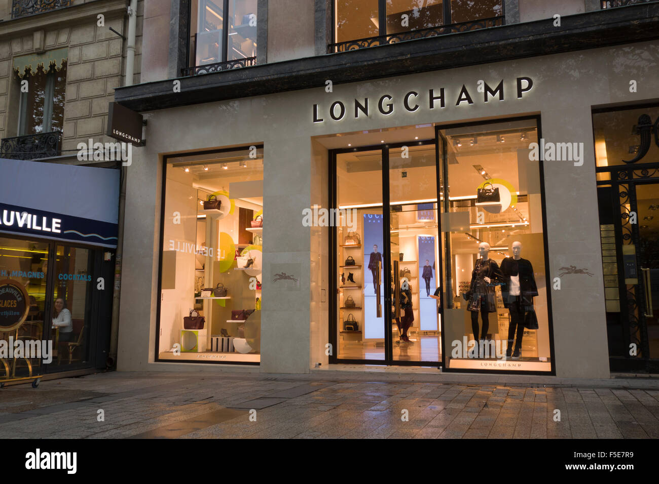 longchamp shop store stock photos longchamp shop store stock images alamy. Black Bedroom Furniture Sets. Home Design Ideas