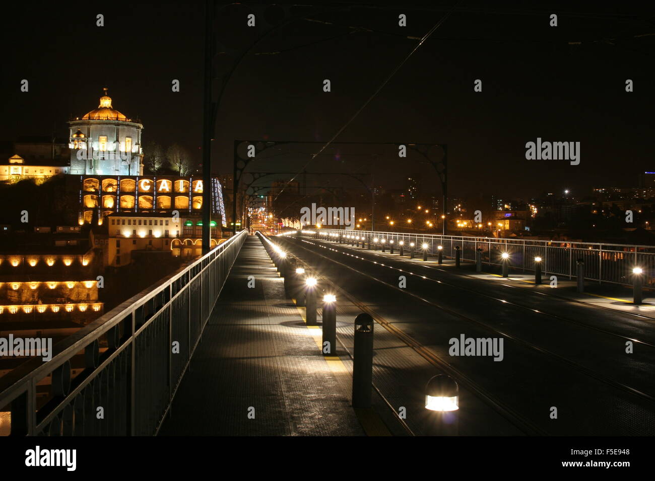 Luis I bridge at night, Porto, Portugal - Stock Image