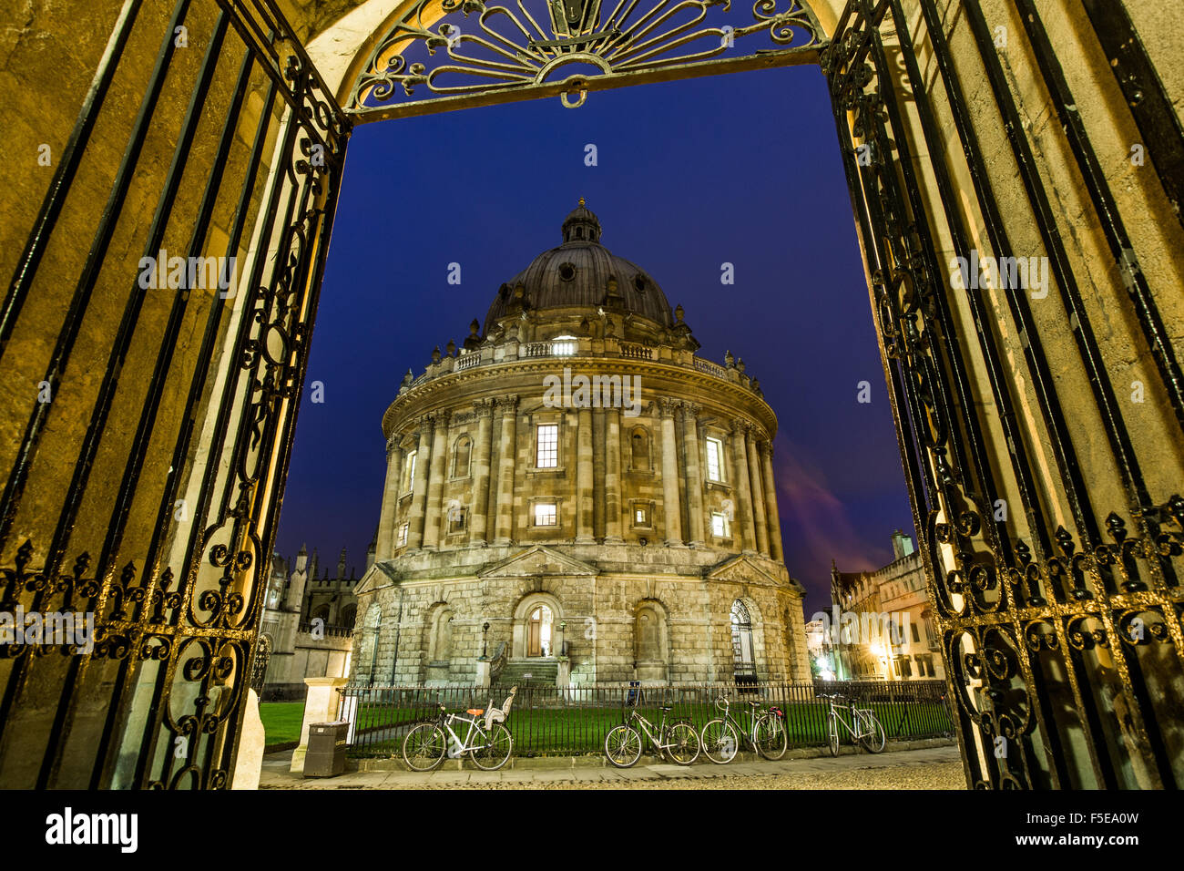 Radcliffe Camera at night, Oxford, Oxfordshire, England, United Kingdom, Europe - Stock Image