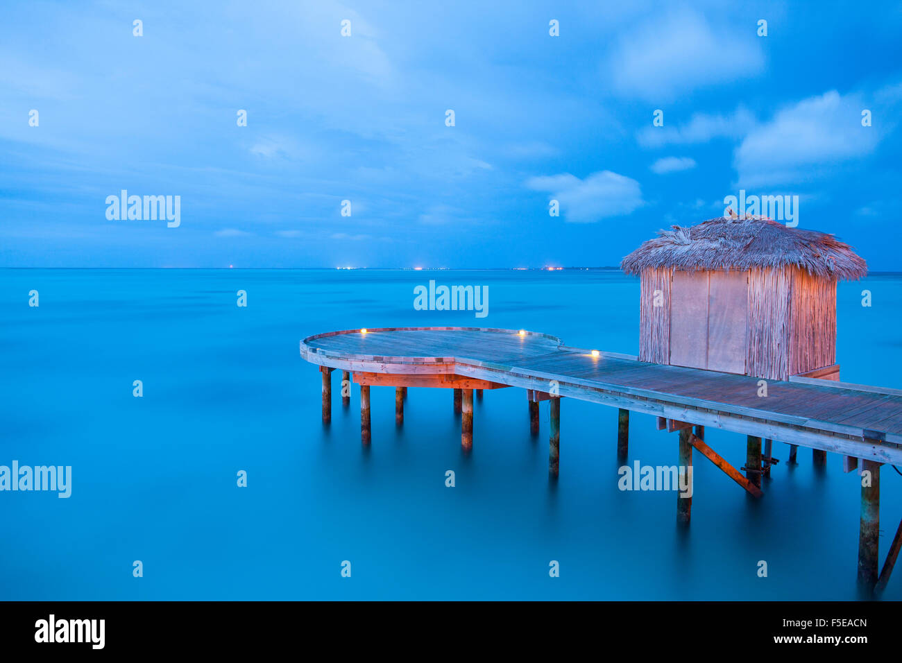 Pier and hut, Maldives, Indian Ocean, Asia - Stock Image