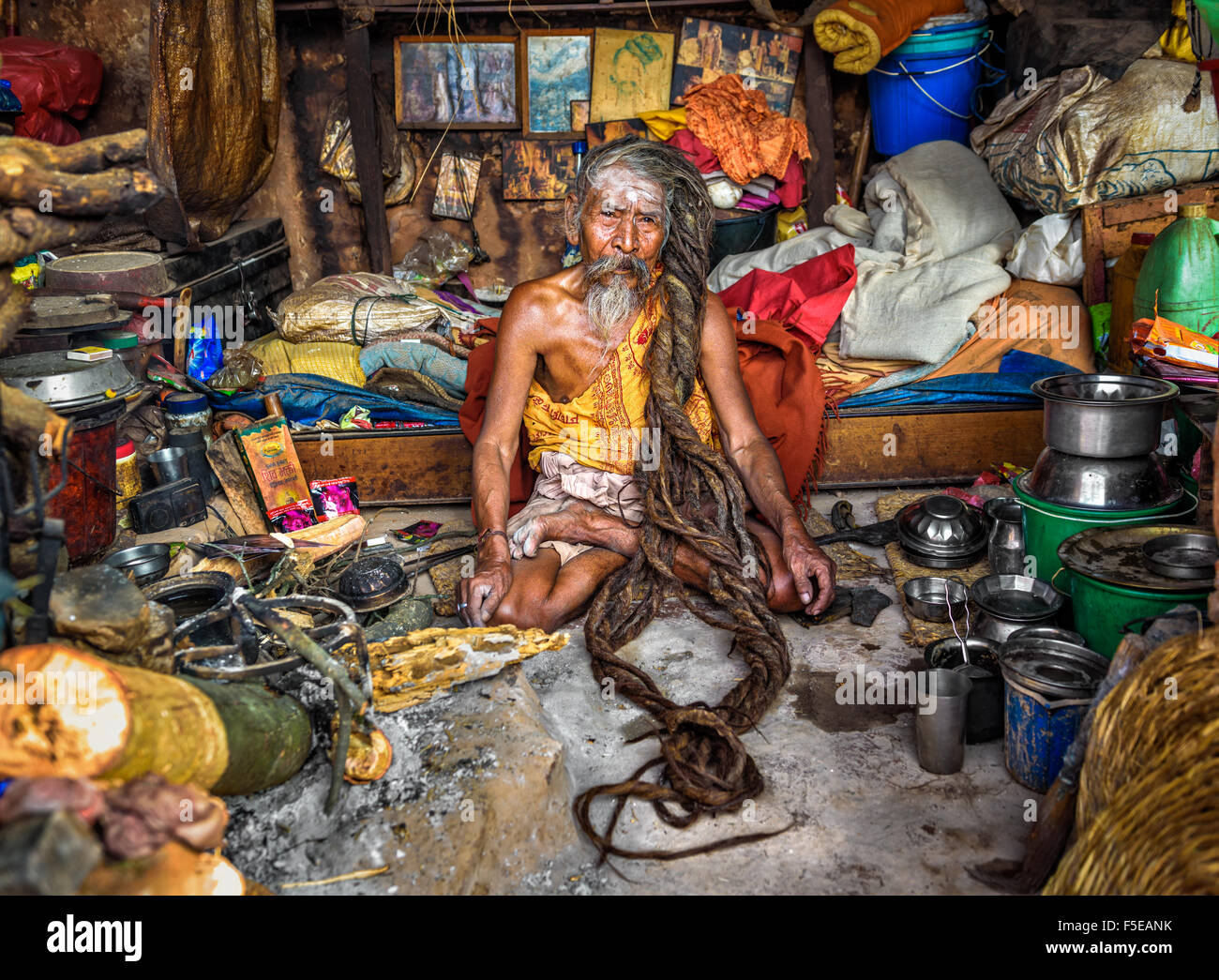 Shaiva sadhu (holy man) with traditional long hair living in Pashupatinath Temple - Stock Image