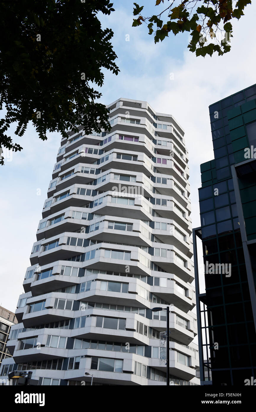 ONE Croydon is a skyscraper in Croydon, London, next to East Croydon station. It was designed by Richard Seifert - Stock Image
