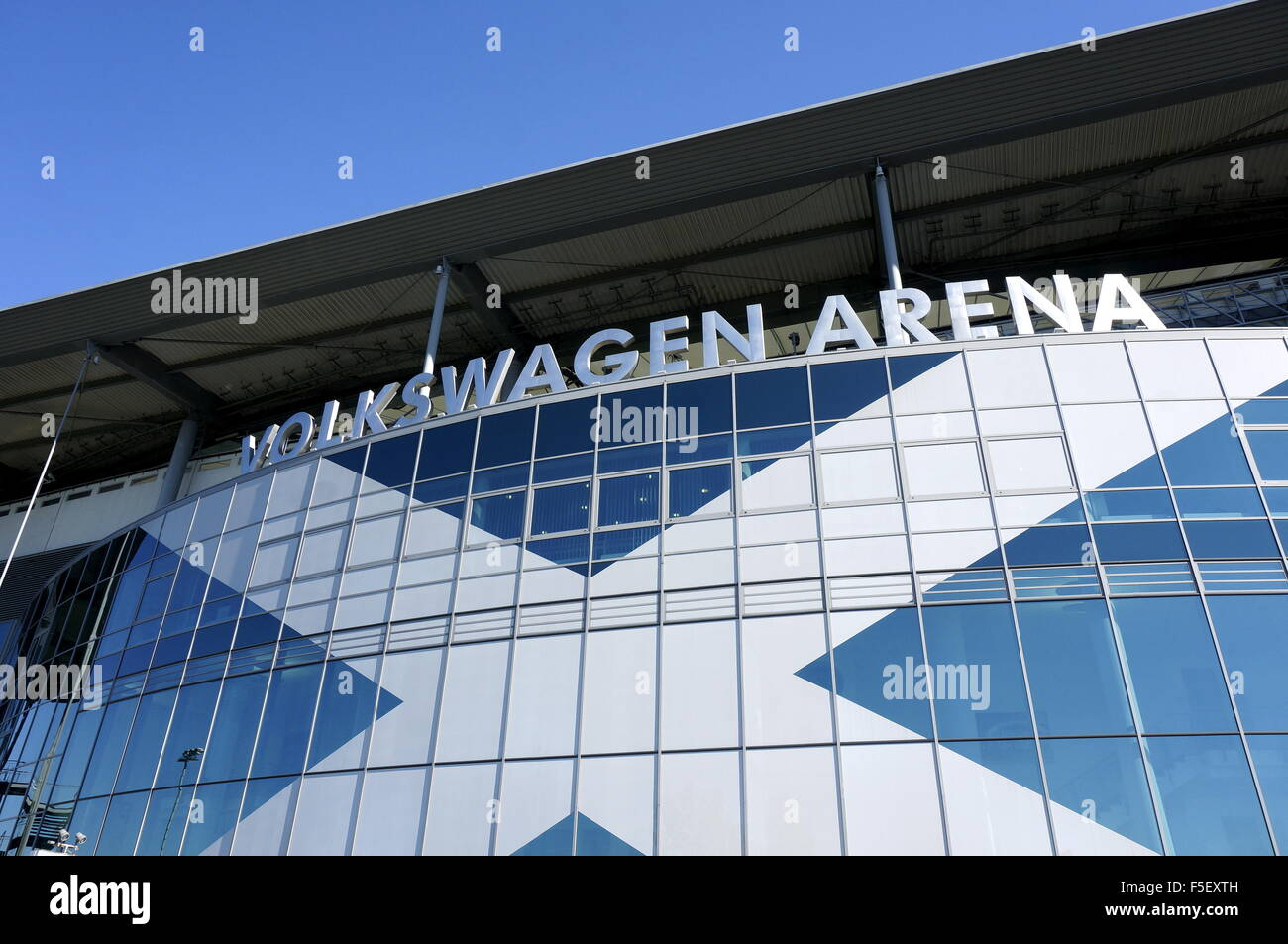 Wolfsburg, Germany. 01st Oct, 2015. The facade of the Volkswagen Arena on a street in Wolfsburg, Germany, 01 October - Stock Image