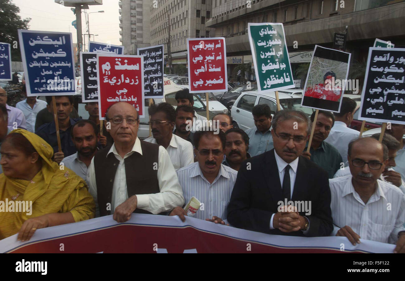 Members of Sindh Writers Thinkers Forum are protesting against Peoples Party (PPP) as they are demanding for rule - Stock Image