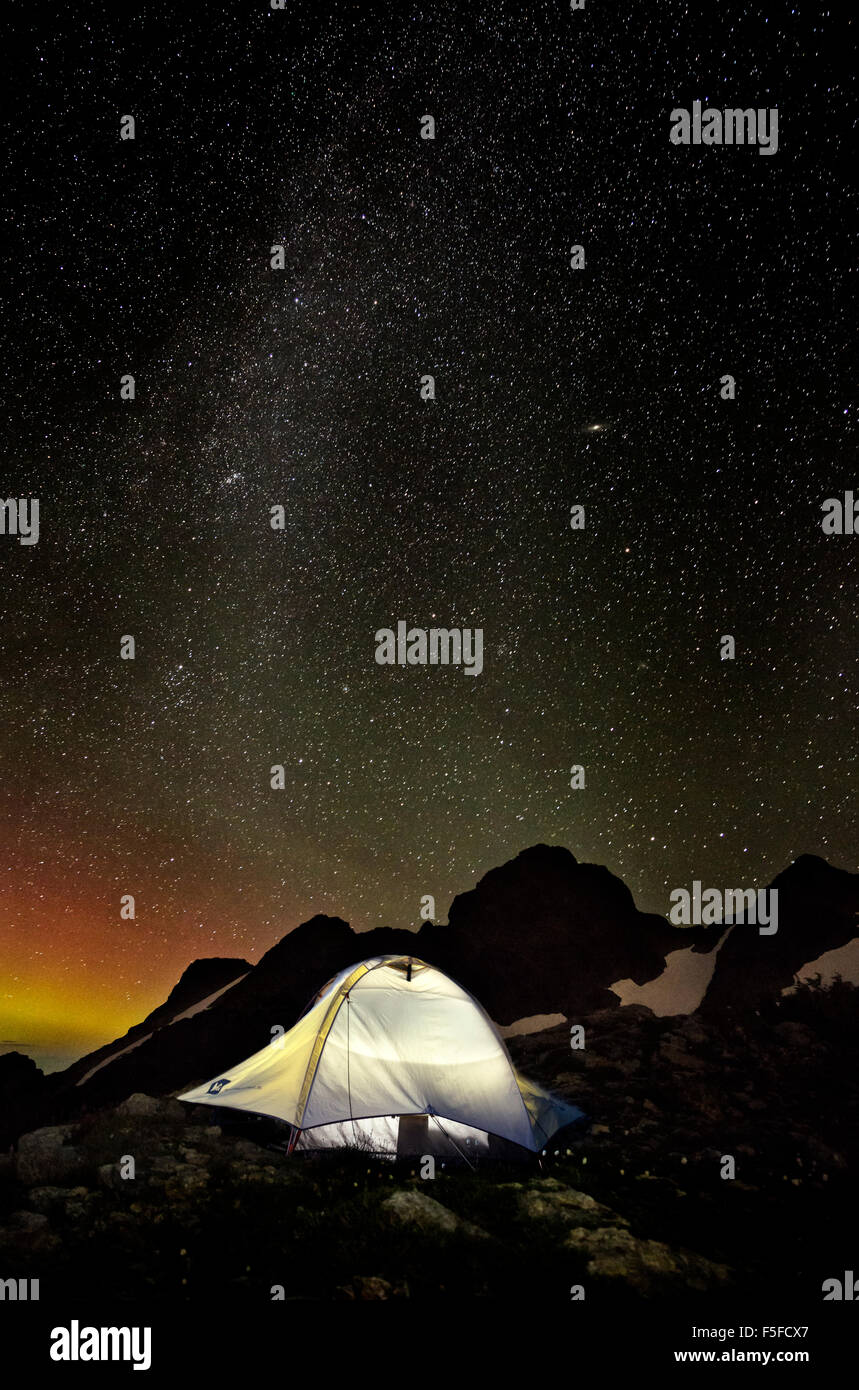 WASHINGTON - Night with stars and Northern Lights at campsite above Tin Pan Gap in the Boulder River Wilderness - Stock Image